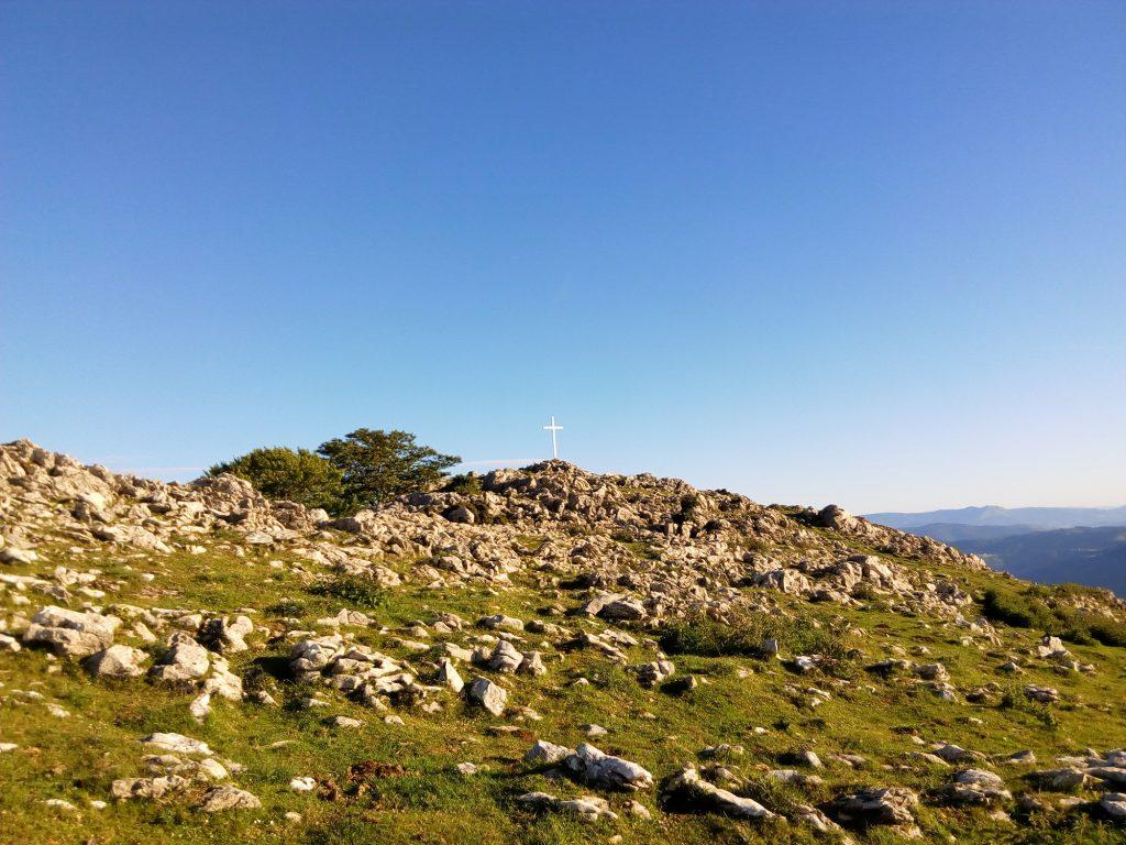 Erlora igoera irudia 2 mendi ibiliak izarraitzen plana - urolaturismoa
